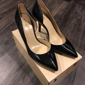 *MICHAEL Kors Nathalie Patent Leather Pump